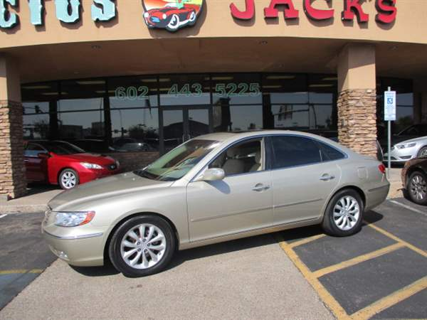 Pre-Owned 2008 HYUNDAI AZERA 4 DOOR SEDAN