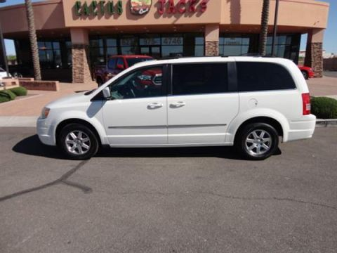 Pre-Owned 2009 CHRYSLER TOWN COUNTRY 4 DOOR VAN; EXTENDED