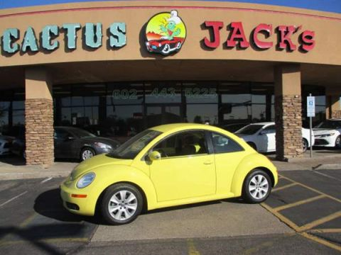 Pre-Owned 2010 VOLKSWAGEN NEW BEETLE 2 DOOR HATCHBACK