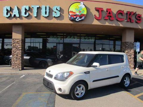 Pre-Owned 2012 KIA SOUL 4 DOOR WAGON